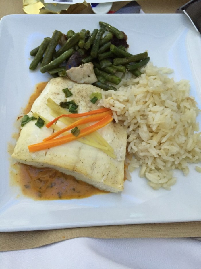 787 J entree - Halibut curry saue