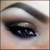 8_beautiful_ways_in_which_to_Wear_tinny_Eye_Shadow at_once_06