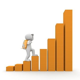 homme blanc grimpe histogramme FIRST Compta service expert comptable, conseils, audit villefranche