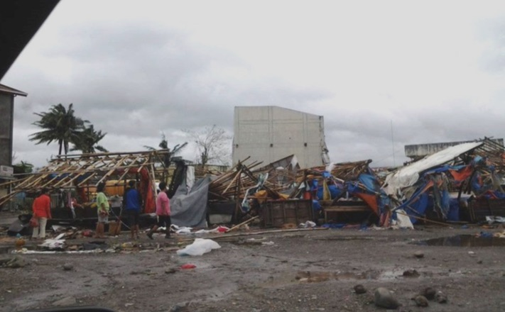 Typhoon Lando batters Quirino Province. Photos from Rev. Talgued Andres