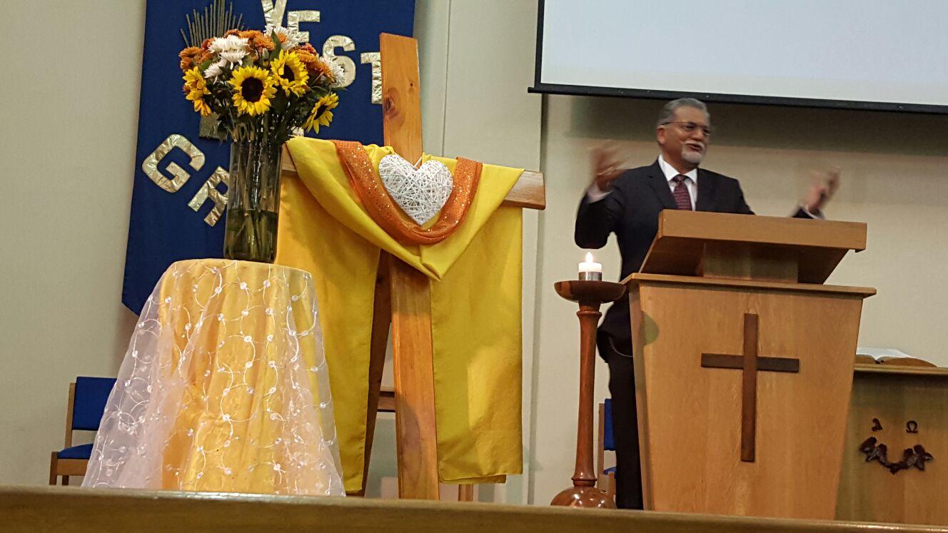 Bishop Ivan Abrahams preaching Gods message