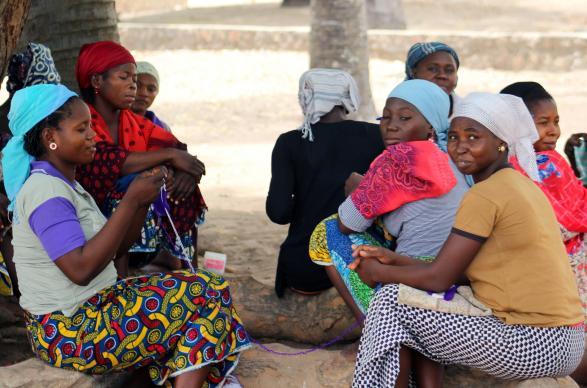 women-knit-nigeria-seminary-benyam-2017-edited_01-587×388