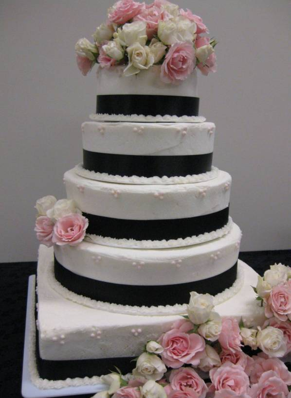 Vanilla Bean Wedding Cake