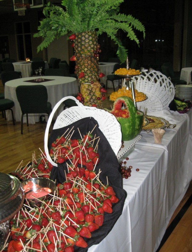 Fresh Fruits Fondue