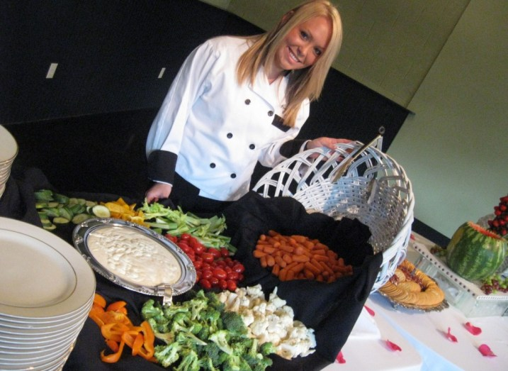 FRESH VEGETABLES DISPLAY WITH PEPPERCORN RANCH DIP