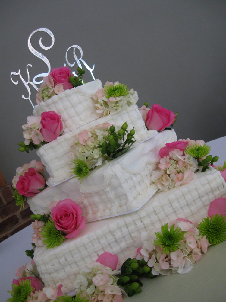 Knoxville  TN Caterer  Catering Specialist Knoxville  TN   First     Square Basketweave Buttercream Vanillabean Knoxville  TN Wedding Cake