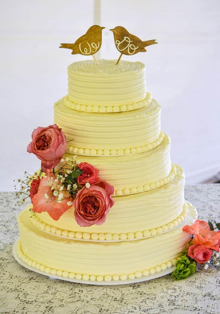 Vanillabean Rustic Vintage style Knoxville, TN Wedding Cake