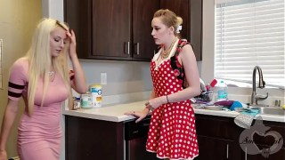 Mother helps her Daughter Move on from Ex – Realistic Strapon Scene