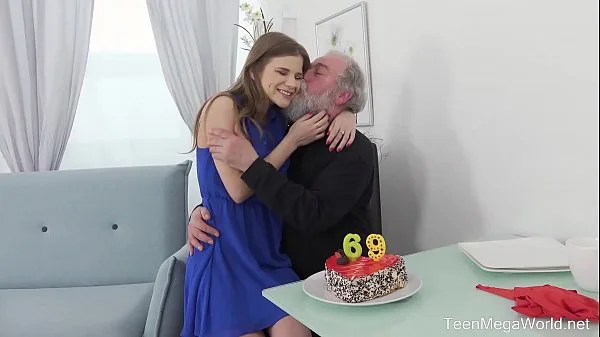 Old-n-Young.com – Sarah Kay – Happy birthday and happy orgasm!
