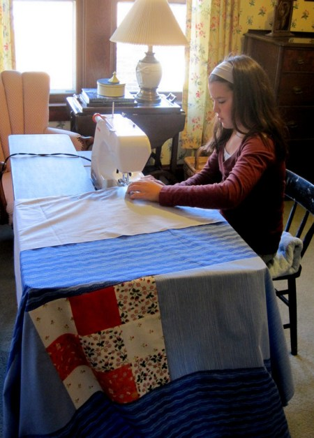 2013-10, MLN sewing quilt back