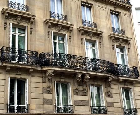 Paris bldg balc 4