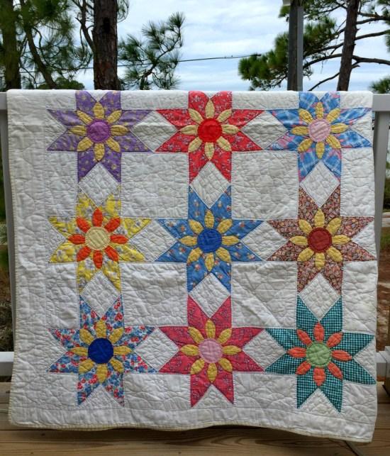 floral star quilt folded-001