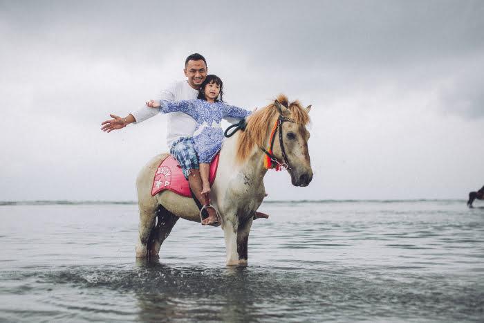 Wisata Keluarga Bapak Rully di Lombok - Naik kuda di Gili Trawangan