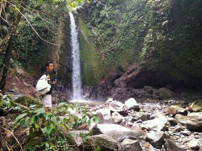 Air terjun juret pandan di Lombok tengah sumber ig @hans_palugada