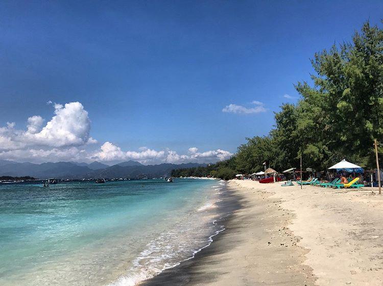 Pantai di Gili Trawangan, sumber ig simocali