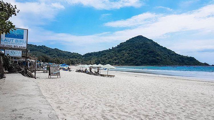 Pantai selong belanak Lombok, sumber ig ahmad.adrian