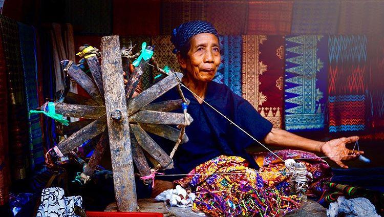 Rahasia Keindahan Kain Tenun Khas Lombok