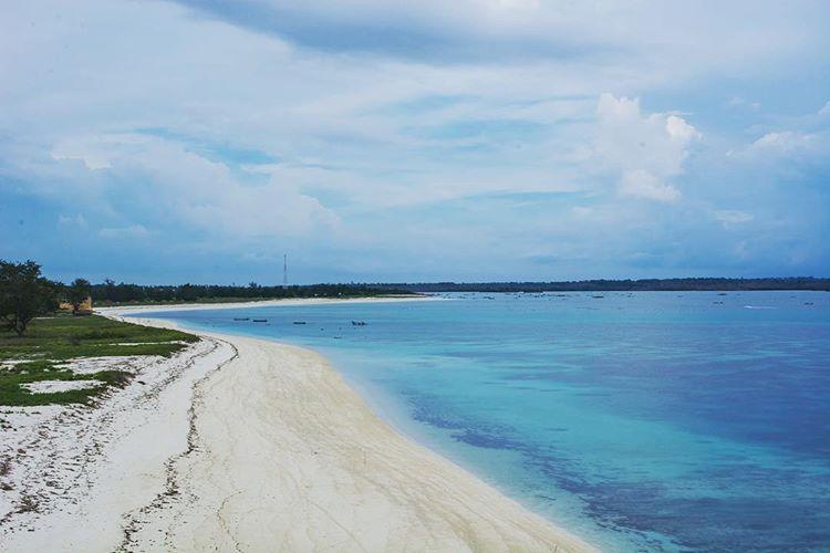 Pantai Cemare, sumber gambar IG @darma.one.dh