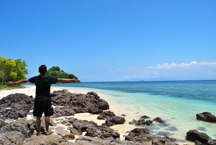 Pantai Elak-Elak, sumber gambar IG @dayatpesenk