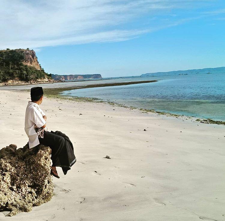 Pantai Ekas, sumber ig bank_jeff92