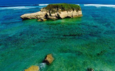 Keindahan Pantai Sungkun di Lombok