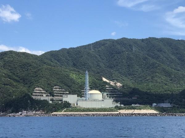 原子力発電所を見ながら思う。