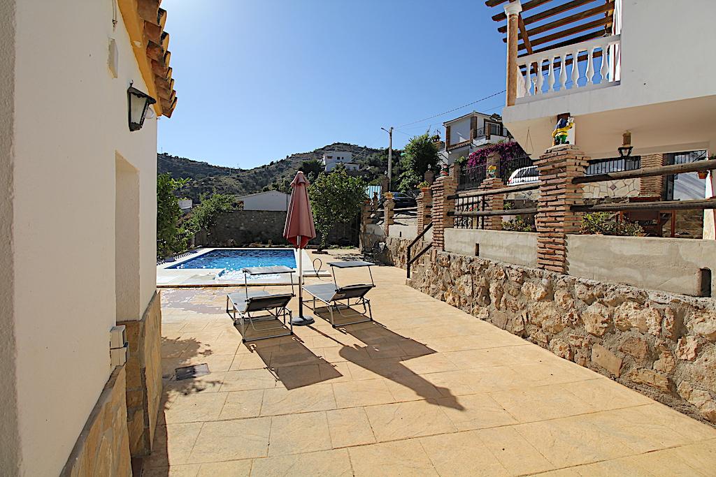 https firstoasis com de immobilien 2125 haus ferienhaus 3 schlafzimmer 1 badezimmer canillas de aceituno malaga andalusien spanien 29716 eur360 2125