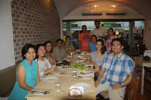 The Negrense Blogging Society, Inc. (NBSI) members with Monsignor Gaston (4th from left) and Mrs. Ina Gaston (5th from left). Photo courtesy of Jojo Vito.