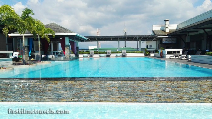 L'Fisher Chalet Swimming Pool