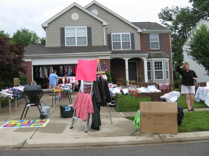 garage sale photo