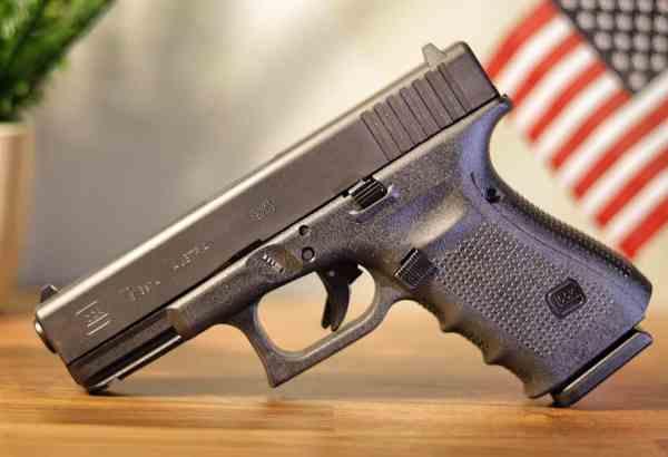 Glock 19   Best Gun Ever   First World Crusader