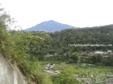 Di atas puncak Janjang Saribu