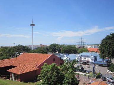 Menara Taming Sari, pemandangan dari Bukit Famosa.