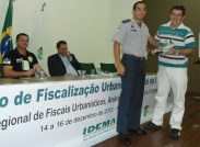 Ten. Valadares entrega lembrança ao Chefe da Divisão de Fiscalização de João Pessoa/RN