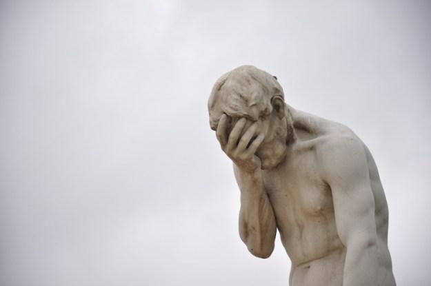 daily-photos-16-a-humiliated-statue-paris