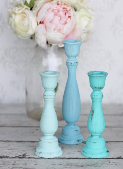 blue candlesticks