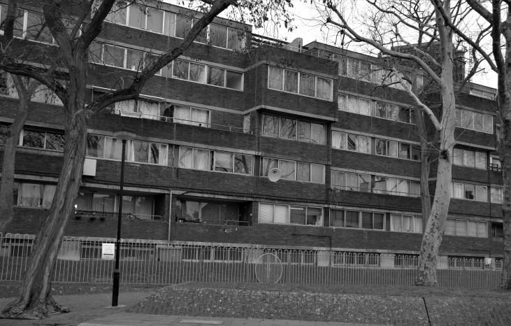 blok mieszkalny-Treadgold Street-mieszkania socjalne-dawny-Avernus