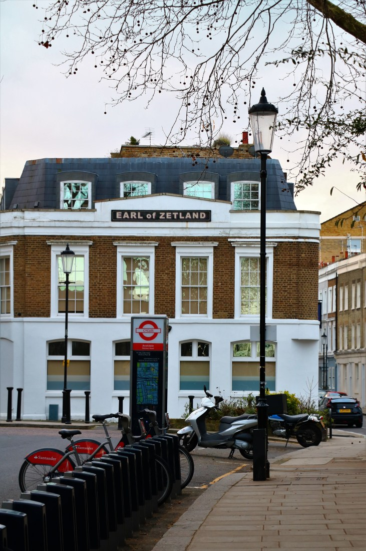 Wiktoriańskie kamienice-Earl of Zetland-rowery-Kenley Walk-Londyn