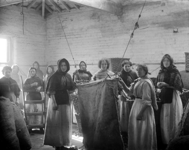 Fabryka-tekstyliów-robotnice-prostytucja-Londyn-19-wiek