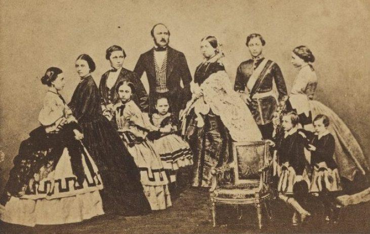 Królowa-Wiktoria-Albert-rodzina-królewska-portret-19-wiek-Anglia
