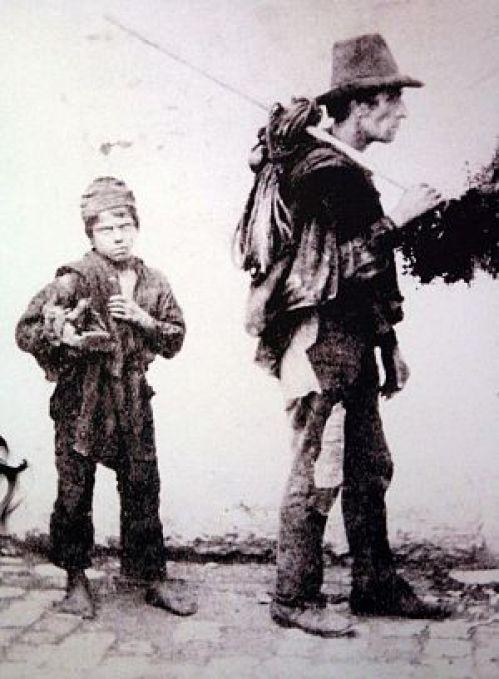 Praca-dzieci-pomocnik-kominiarza-wiktoriański-Londyn