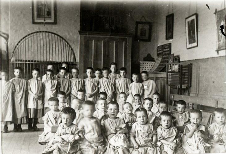 Dzieci-w-przytułku-19-wiek-Anglia