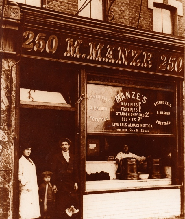 Pie-&-Mash-shop-M. Manze-London-19th-century