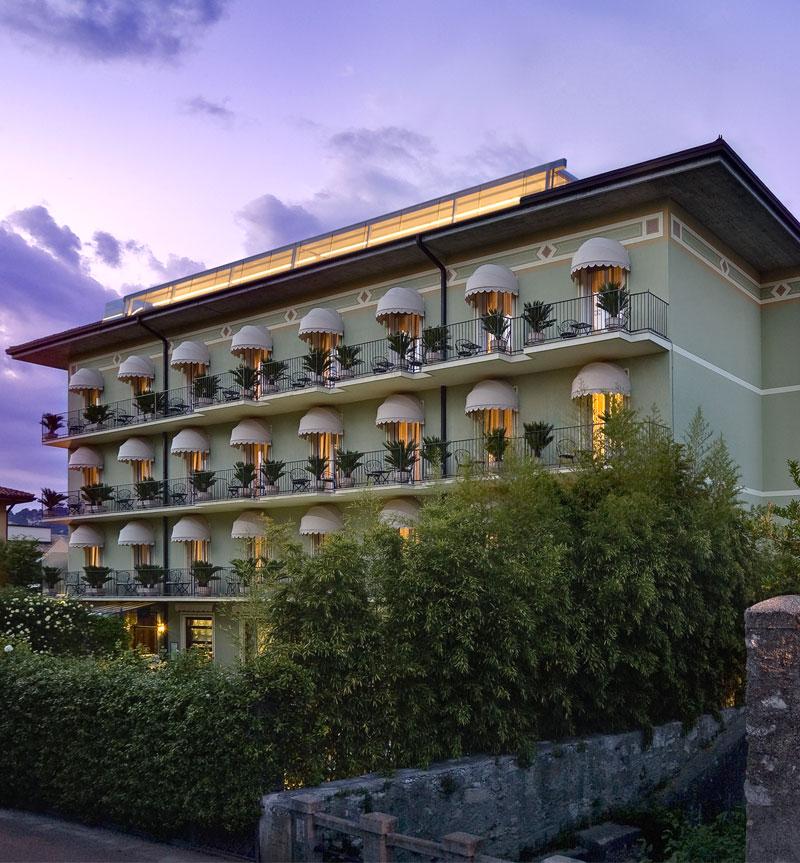 Nel 2016 Il Palace Hotel San Pietro festeggia il 50° anniversario con l'apertura del Ristorante la Terrazza
