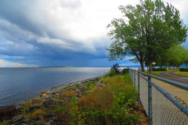 Le lac Saint-Jean depuis le jardin des Ursulines