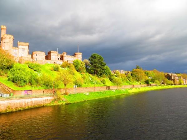 château d'Inverness au coucher du soleil