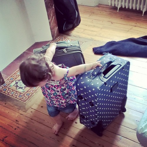 enfant et valises
