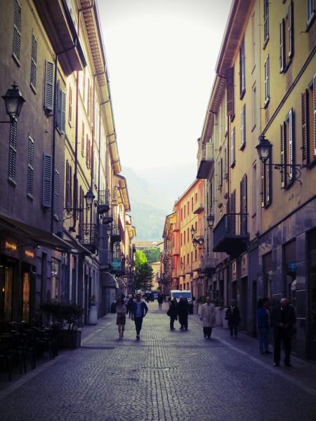 rue dans Lecco