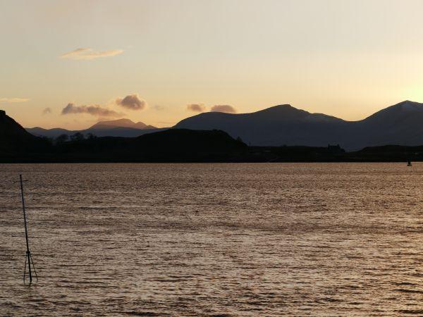 port d'Oban (Ecosse) au coucher du soleil