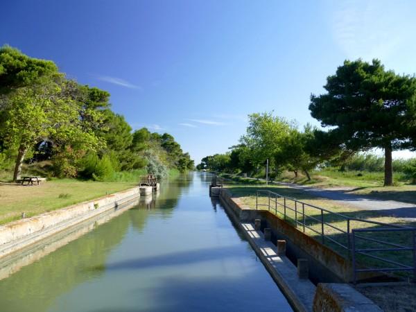 canal de la Robine - presqu'île de Sainte-Lucie dans l'Aude